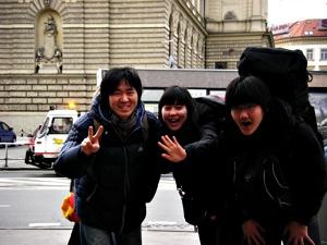 프라하의 삼일을 함께 추억한 세 친구