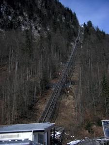 소금광산으로 향하는 기차길