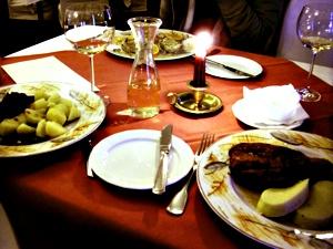 프라하의 어딘가에서 거금을 들여 먹은 체코 음식